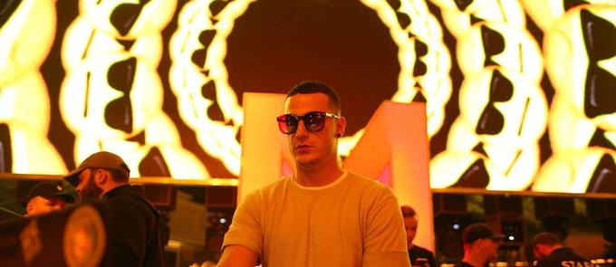 "DJ Snake's ""Encore"" Debuts at Number One on iTunes"